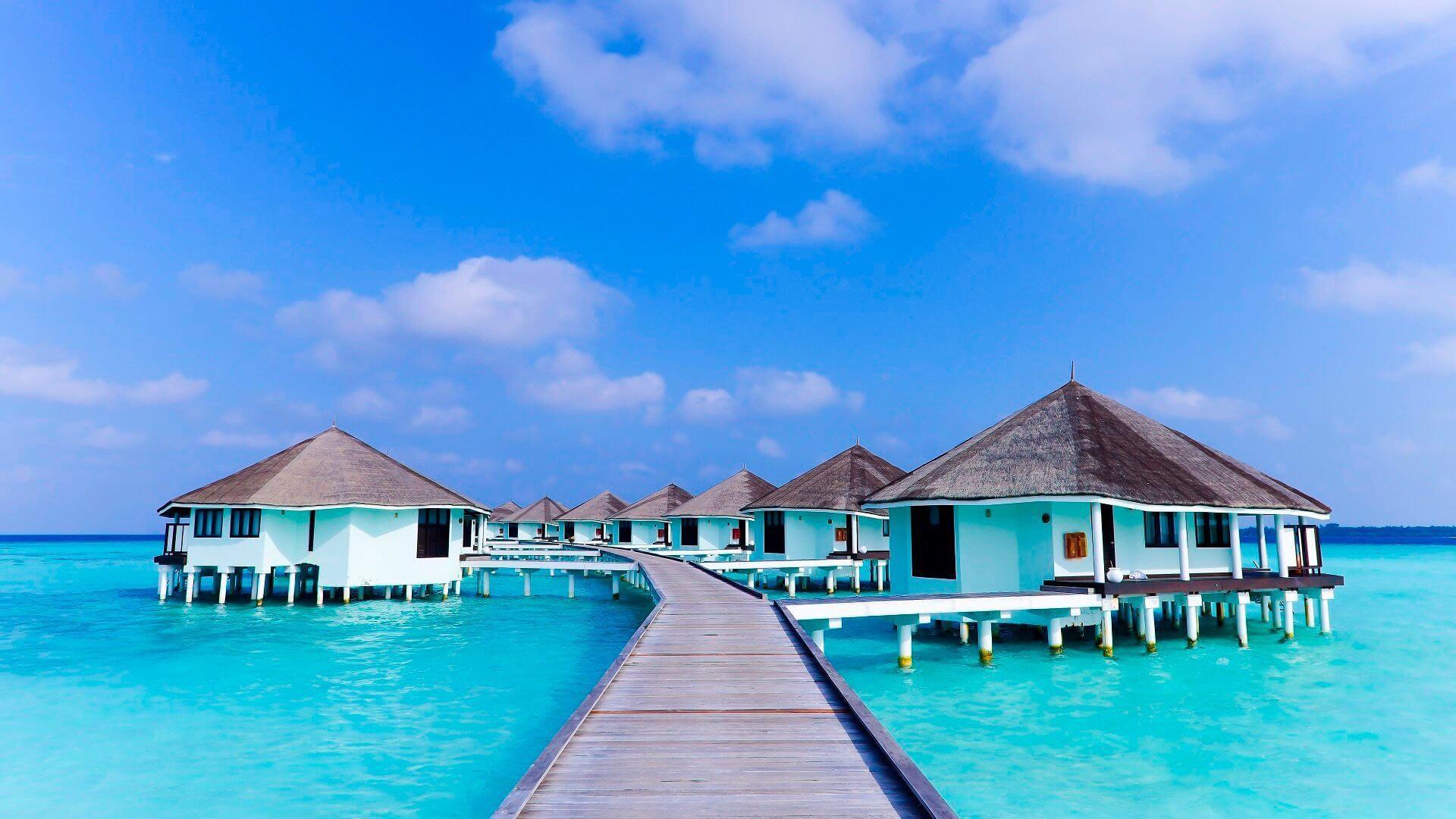 Kihaa Maldives 4* - Foto delle palafitte e del camminamento