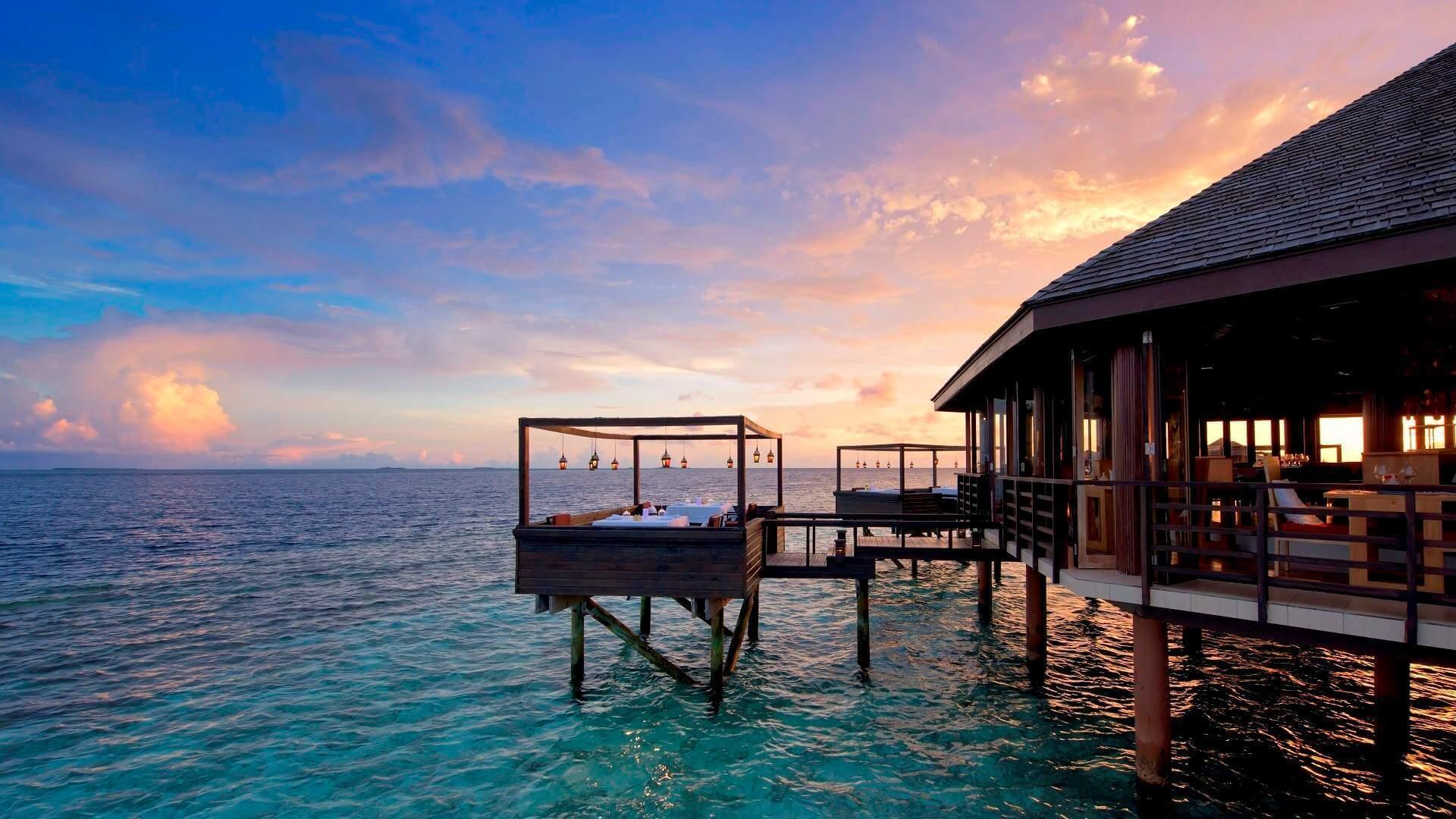 Lily Beach Resort e Spa 5* - Foto del ristorante sul mare