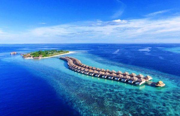 Hurawalhi Island Resort 5* - Foto dall'alto del resort con vista delle palafitte
