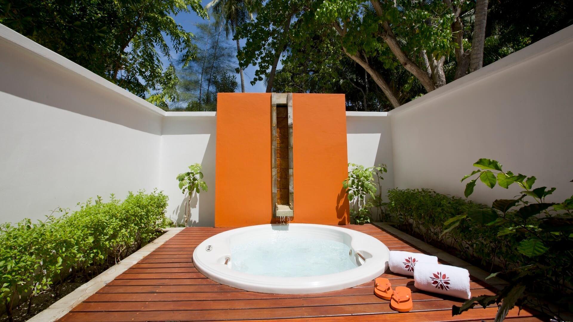 Angsana Ihuru Island Resort e Spa 4* - Vista della vasca idromassaggio
