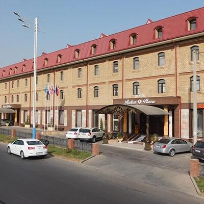 world-heritage-voyages-easy-uzbekistan-strutture-rakat-plaza